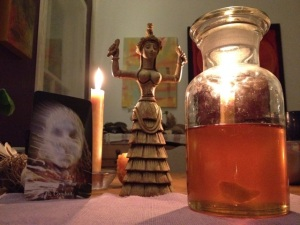 Beth Lenco's honey elixir for the Blood Moon eclipse with the guardians the Melissae  for Oracle card 40. Conduit